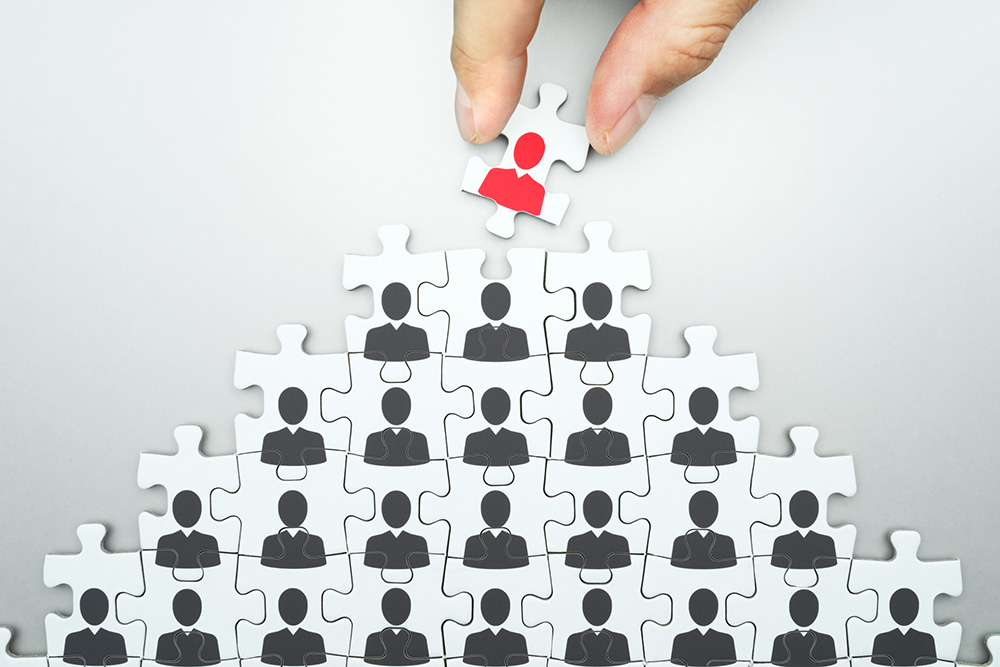 Selecting leader jigsaw puzzle